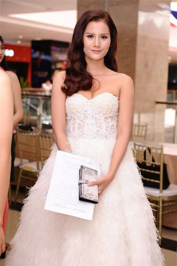 Hương Ly bất ngờ rút khỏi Hoa hậu Hoàn vũ, một mực phủ nhận tin đồn thẩm mỹ  - Ảnh 1.