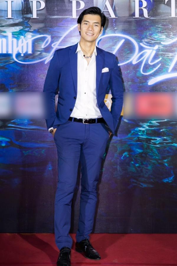 Ngọc Trinh ngọt ngào, Quỳnh Thư bốc lửa hội ngộ dàn sao tại tiệc VIP - Ảnh 17.