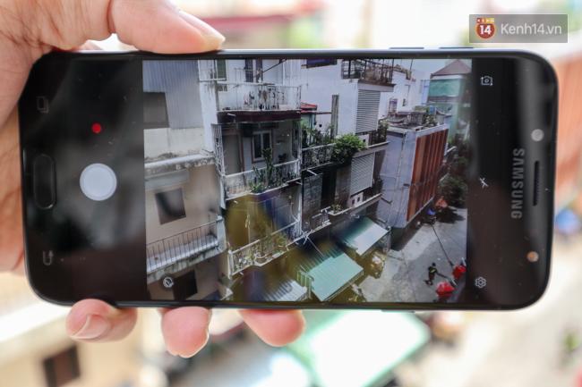 Trên tay nhanh Samsung Galaxy J7 Pro: thiết kế giống S7, camera mạnh mẽ và nhiều tính năng hấp dẫn, có màn hình Always On - Ảnh 10.