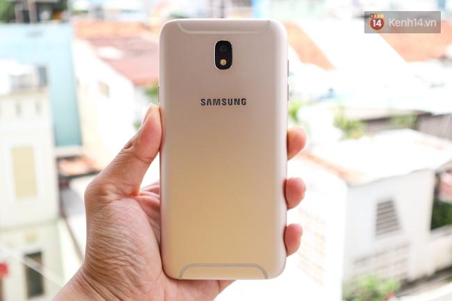 Trên Tay Nhanh Samsung Galaxy J7 Pro Thiết Kế Giống S7