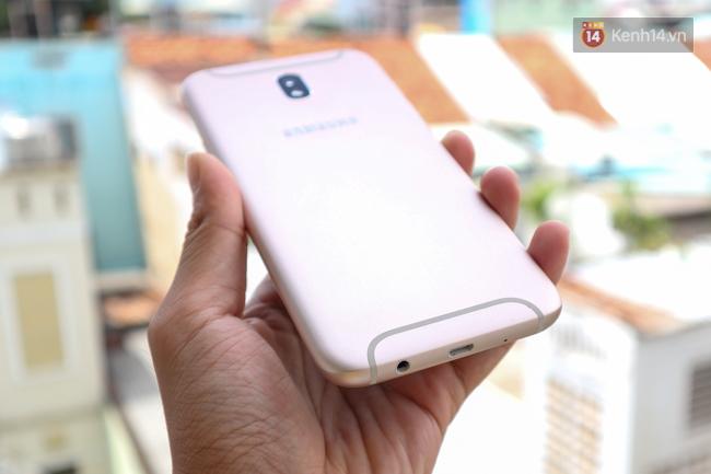 Trên tay nhanh Samsung Galaxy J7 Pro: thiết kế giống S7, camera mạnh mẽ và nhiều tính năng hấp dẫn, có màn hình Always On - Ảnh 5.