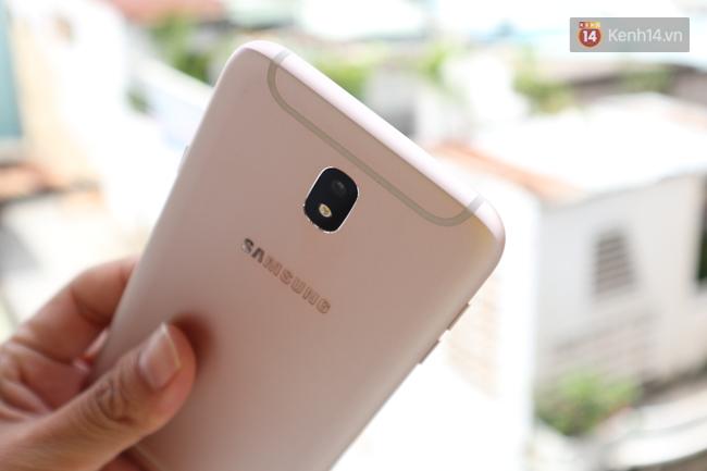 Trên tay nhanh Samsung Galaxy J7 Pro: thiết kế giống S7, camera mạnh mẽ và nhiều tính năng hấp dẫn, có màn hình Always On - Ảnh 6.