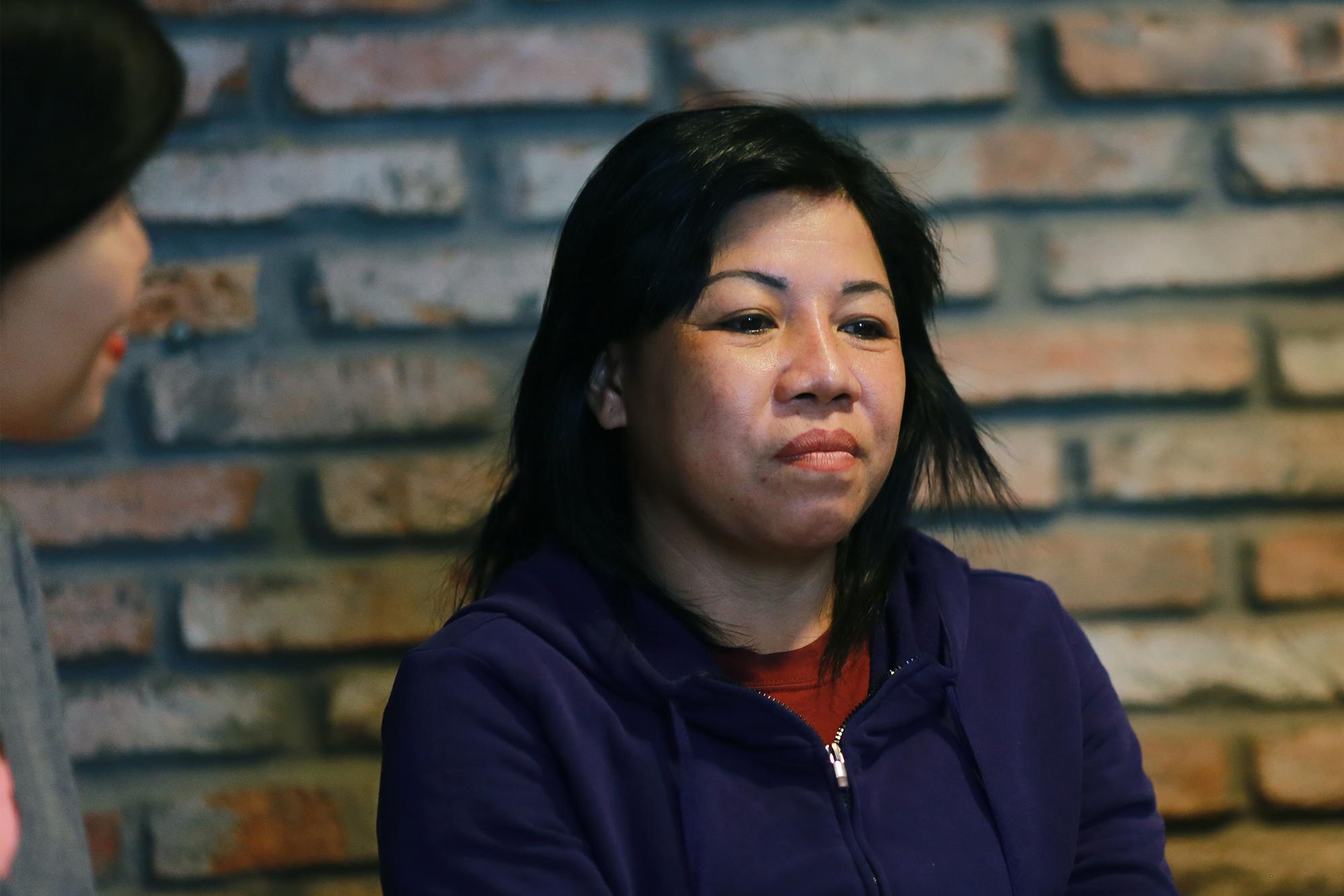 Chị Trần Thị Thanh Nhung kể về những kỷ niệm với nghề chạy xe ôm của mình.