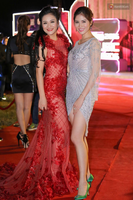Dàn sao Việt bắt đầu xuất hiện ấn tượng trên thảm đỏ