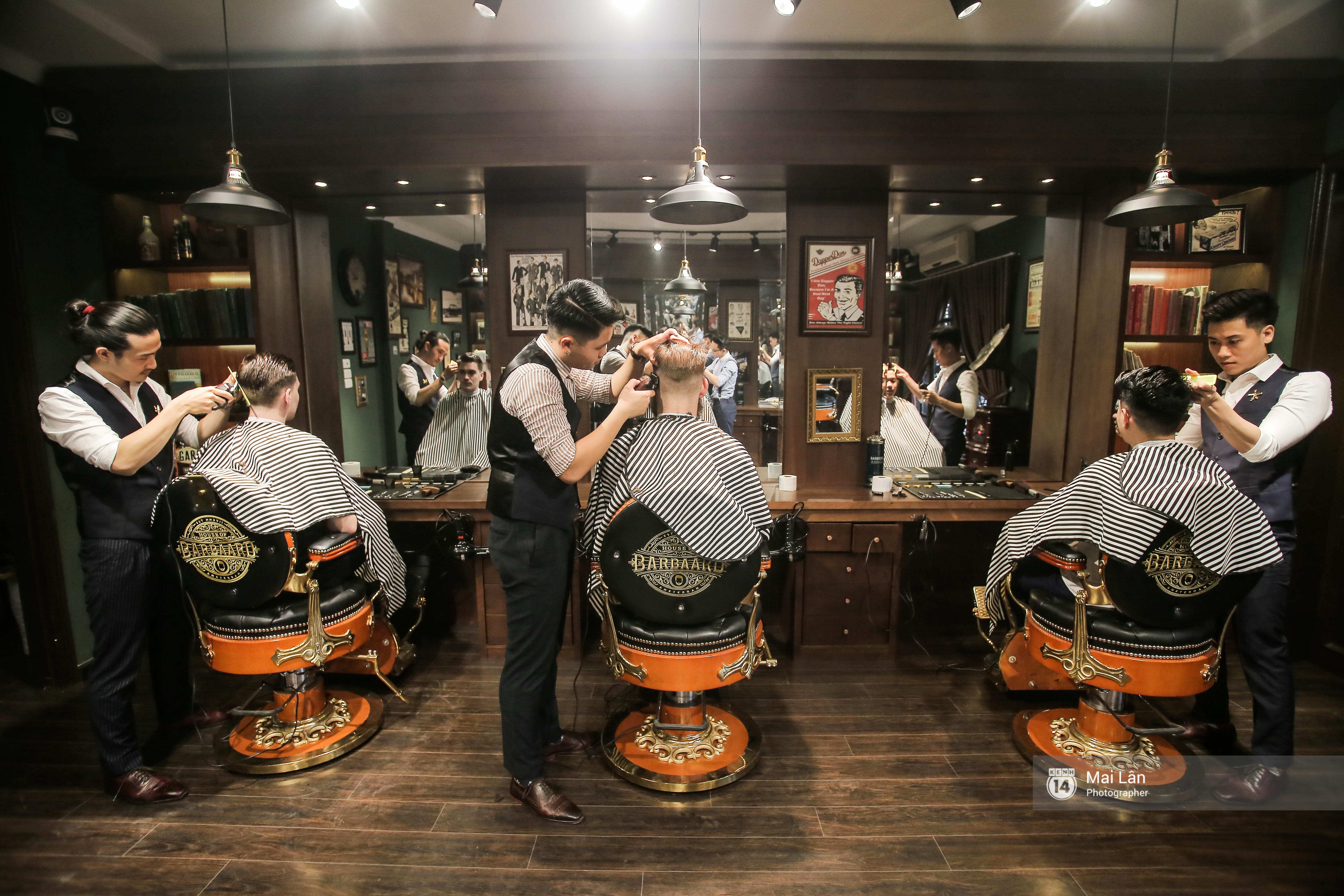 Có gì trong tiệm cắt tóc toàn quý ông lịch lãm ở Hà Nội, nơi con gái không được đặt chân vào?