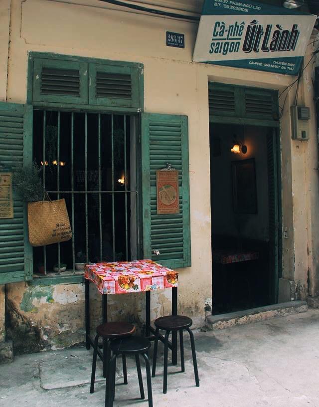 Ở ngay những khu phố Tây ồn ã, cũng có những quán cafe bình yên và xinh xắn như thế! - Ảnh 16.