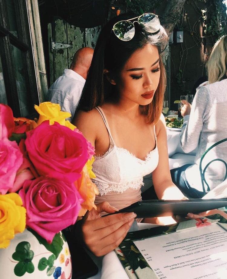 Sao trẻ: Chân dung 3 tiểu thư người Việt xinh đẹp, nóng bỏng xuất hiện trên báo Mỹ