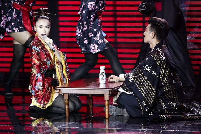 Bị fan làm loạn, The Remix phải tạm tháo clip trình diễn của Yến Trang - Ảnh 2.