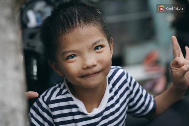 Hành trình mà nhiều người lớn tử tế đang tìm lại niềm vui cho những đứa bé nghèo ở Sài Gòn - Ảnh 3.