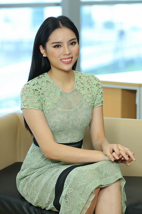 Chùm ảnh: Hoa hậu Kỳ Duyên 2 năm sau khi đăng quang và những màn 'lột xác' ngoạn mục! 15
