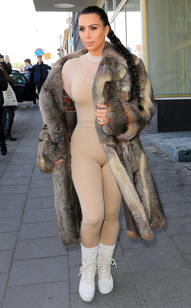 Không còn ngôn từ nào diễn tả nổi về thời trang phản cảm của Kylie Jenner! - ảnh 7