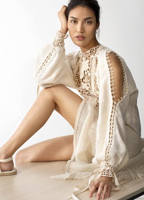 Netizen cho rằng BST của Angela Phương Trinh giống hết đồ các shop bán từ lâu - Ảnh 4.