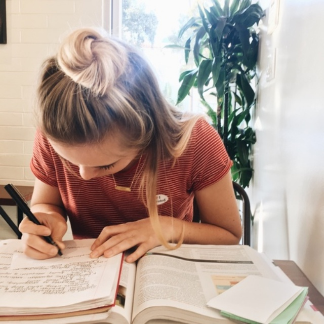 4 điều tuyệt vời mà sinh viên nên thực hiện để khép lại một năm đã qua - ảnh 1