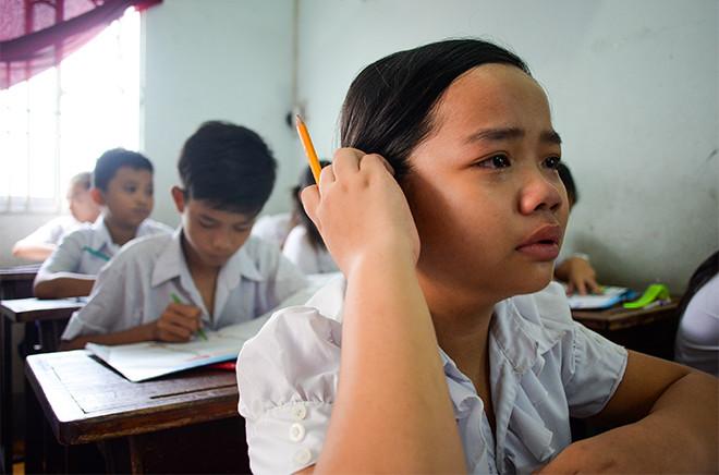 Món quà 1/6 tụi con nít nhà nghèo ao ước giản dị mà nhọc nhằn lắm: Được đến trường - Ảnh 12.