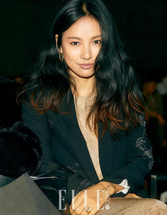 Lee Hyori bất ngờ xuất hiện ở New York Fashion Week, được khen ngợi hết lời vì siêu thần thái - Ảnh 1.