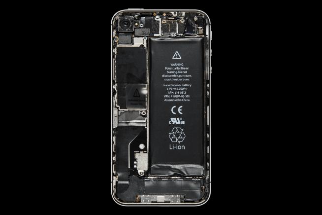 Nội thất bên trong iPhone đã thay đổi như thế nào suốt 10 năm qua? - Ảnh 4.