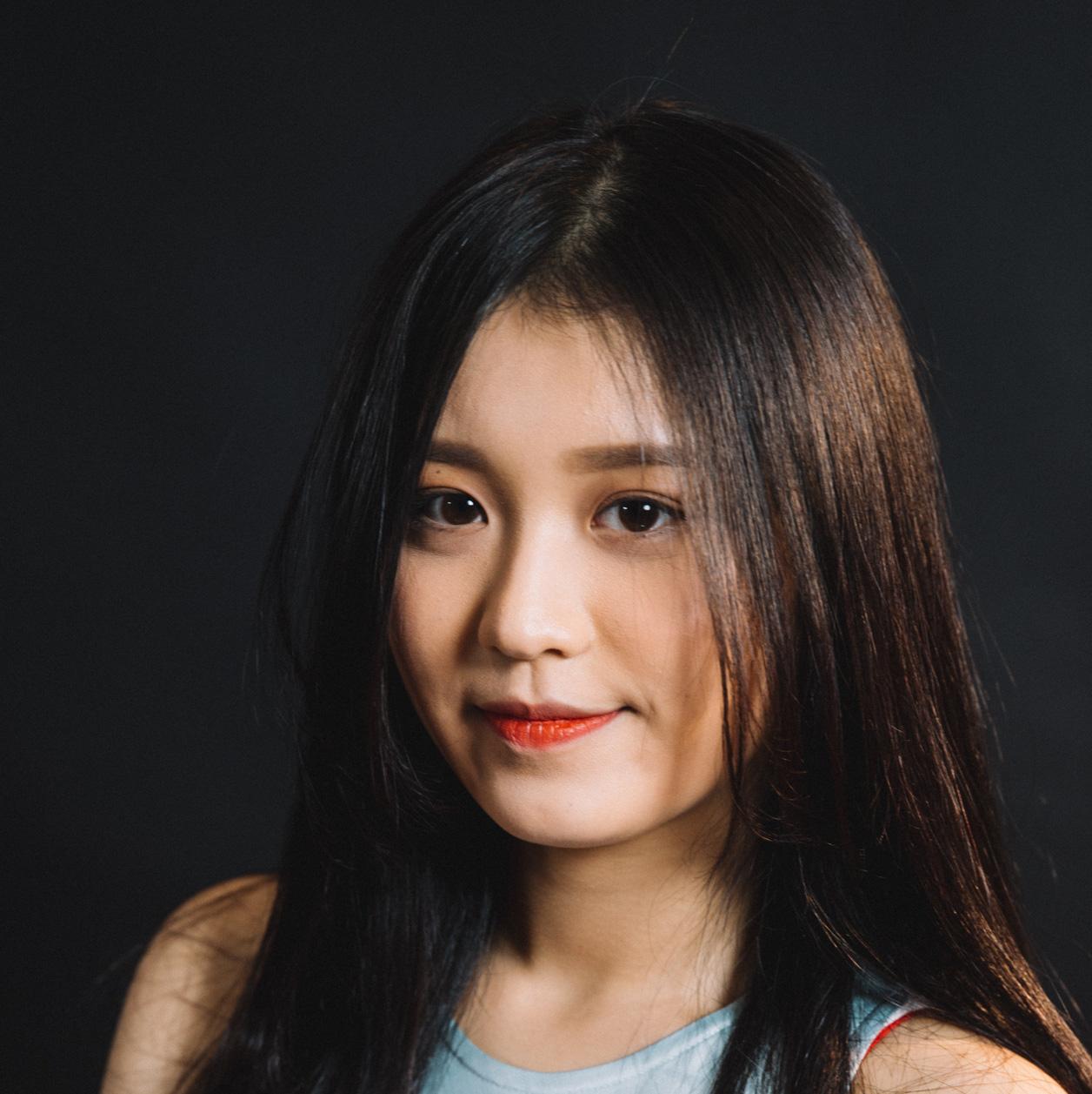 """Han Sara - hot girl 16 tuổi của The Voice: Xa mẹ từ năm 10 tuổi, biết hát """"Ước gì"""" trước khi biết tiếng Việt - Ảnh 1."""