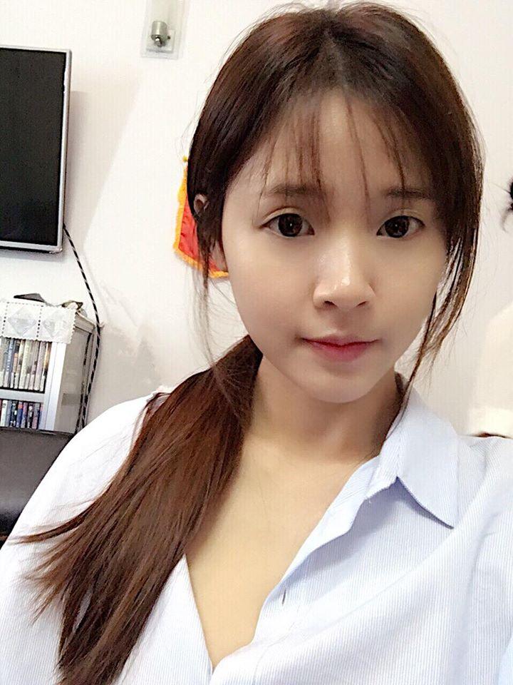 Sao Việt: Mặt mộc của sao nữ Vbiz - Nàng xinh như hoa, người phải cảm ơn ai đã phát minh ra son phấn!
