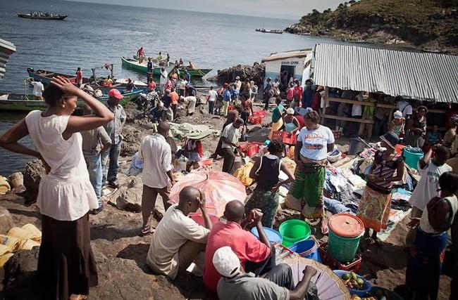 Hòn đảo bé chỉ bằng nửa sân bóng nhưng có tới 1.500 người dân sinh sống - Ảnh 3.