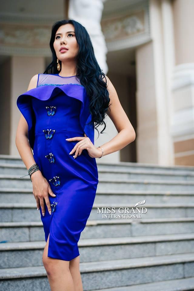 Lỗi thời trang của dàn thí sinh Miss Grand International: Người khoe hai lưng, người diện đầm như đồ cũ 10 năm trước - Ảnh 15.