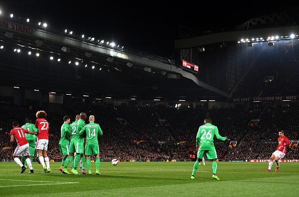 Ibrahimovic lập hat-trick, Man Utd thắng tưng bừng tại Europa League - Ảnh 7.