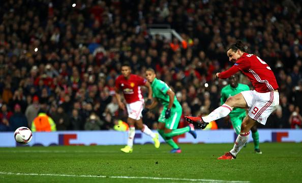 Ibrahimovic lập hat-trick, Man Utd thắng tưng bừng tại Europa League - Ảnh 13.