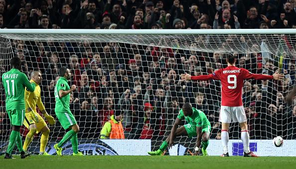 Ibrahimovic lập hat-trick, Man Utd thắng tưng bừng tại Europa League - Ảnh 12.