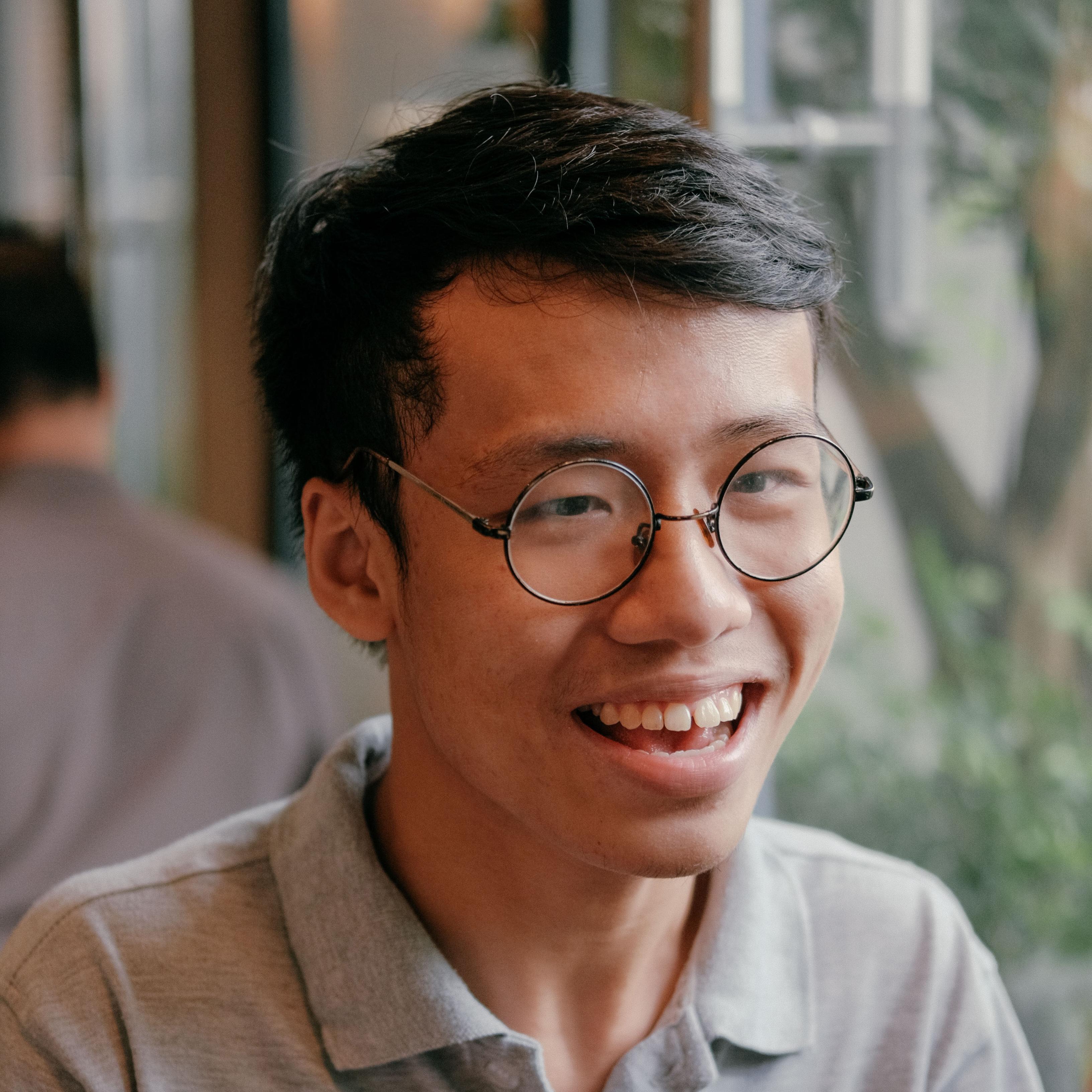 99er Việt nhận học bổng lớn nhờ viết bài luận bàn về việc xem phim sex - Ảnh 1.