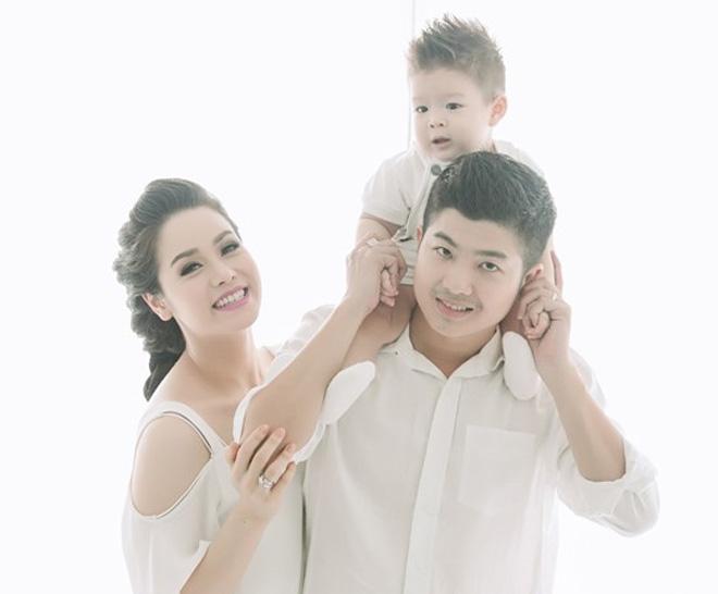 Nhật Kim Anh đăng ảnh chứng minh gia đình vẫn hạnh phúc giữa tin đồn ly hôn - Ảnh 4.