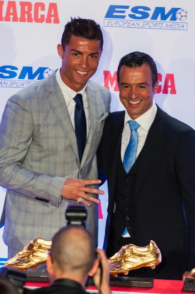 Ronaldo: Phải đưa tôi trở lại Man Utd bằng mọi cách - Ảnh 2.