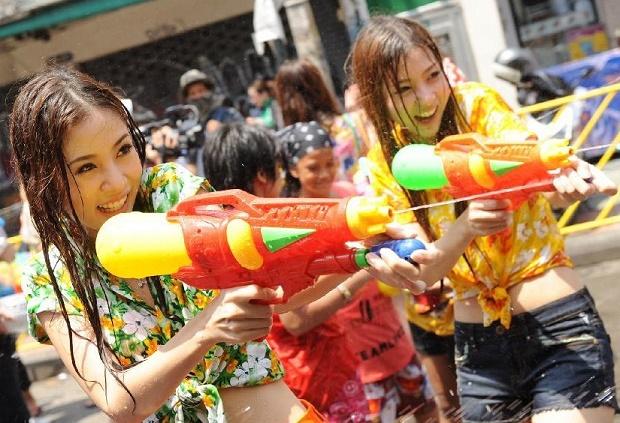 Những thay đổi trong lễ hội té nước Songkran năm nay sẽ khiến nhiều du khách không khỏi thất vọng - Ảnh 2.