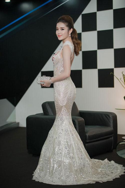 Trước khi thiết kế váy cho tân HHHV, Hoàng Hải vốn đã là NTK của mọi Hoa hậu Việt - Ảnh 24.