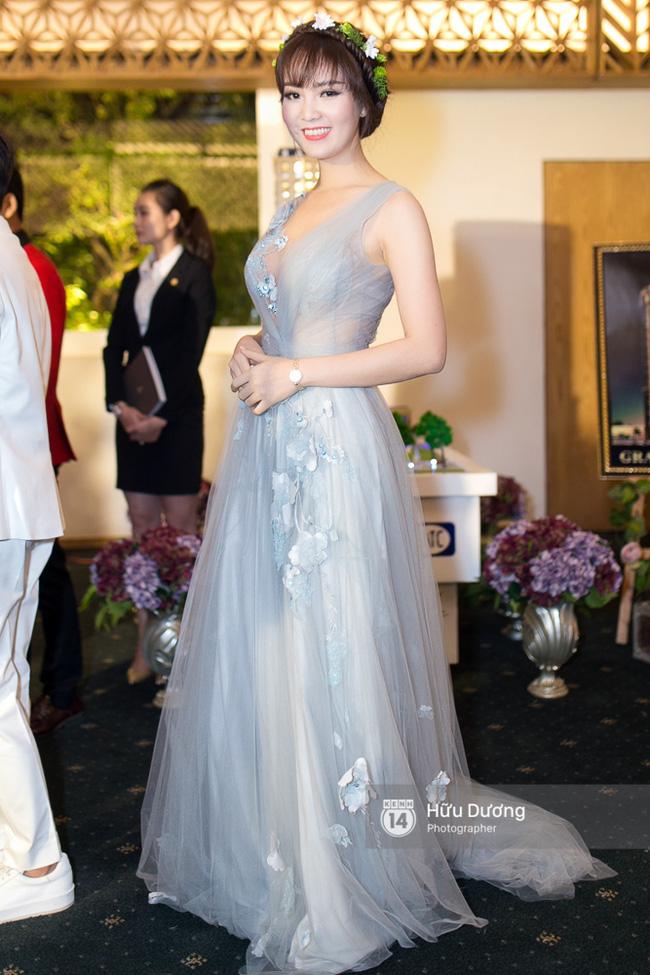 Trước khi thiết kế váy cho tân HHHV, Hoàng Hải vốn đã là NTK của mọi Hoa hậu Việt - Ảnh 21.