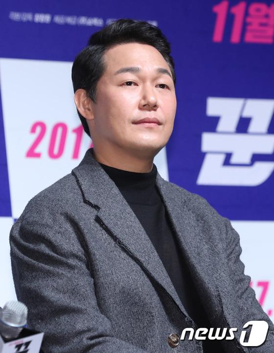 Mỹ nam năm nào Hyun Bin gây sốc vì râu ria xồm xoàm, cựu gương mặt đẹp nhất thế giới vẫn đẹp dù giản dị - Ảnh 12.