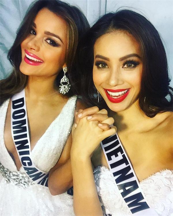 Hai năm gặp lại, Phạm Hương và bạn thân Hoa hậu người Dominica, ai đẹp hơn? - ảnh 1