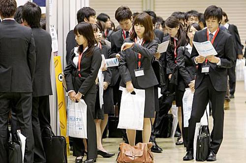 Đừng sợ tương lai, đừng câu nệ quá khứ, hãy sống với hiện tại - Bài phát biểu gây bão của giám đốc người Nhật - Ảnh 6.