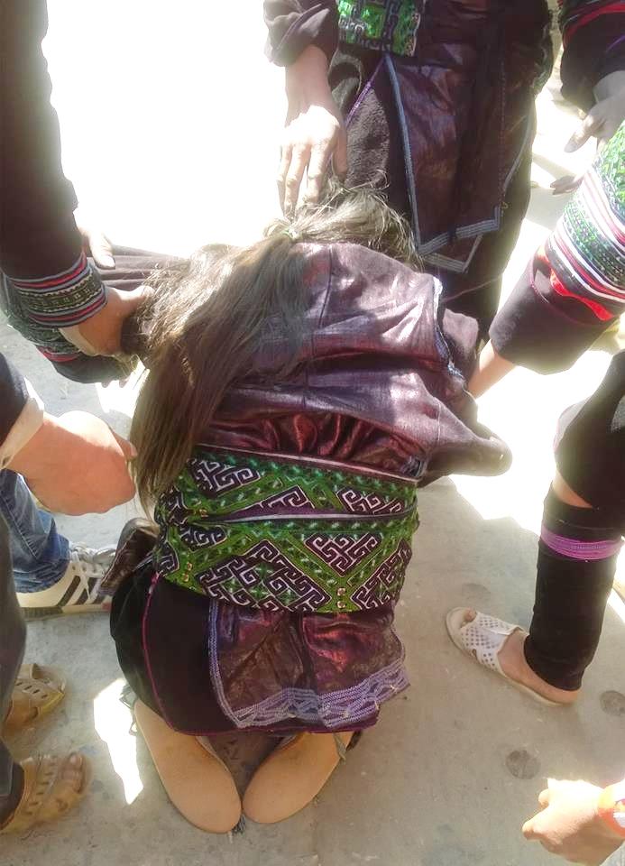 Lại thêm vụ nữ sinh lớp 9 gào khóc khi bị bắt về làm vợ ngay trung tâm thị trấn Sa Pa
