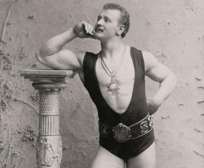 Hơn 100 năm qua, chuẩn mực về cái đẹp với nam giới đã thay đổi như thế nào?