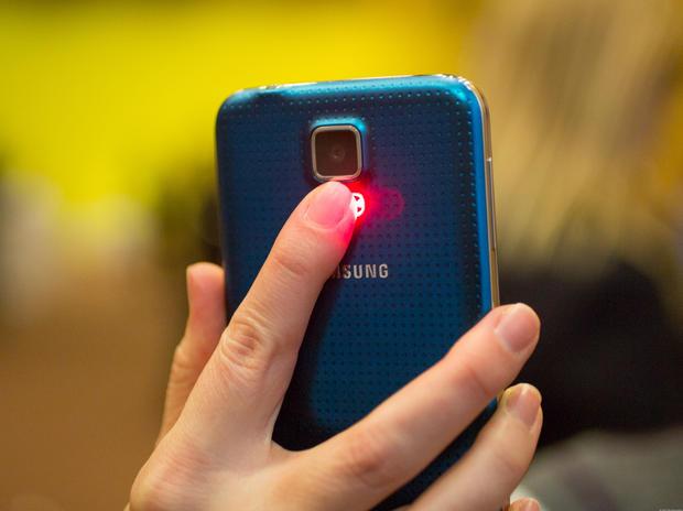Suốt ba năm qua, Samsung vịt hóa thiên nga còn Apple dậm chân tại chỗ - Ảnh 1.