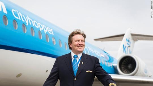 Vua Hà Lan bí mật lái máy bay chở khách suốt 21 năm - Ảnh 2.