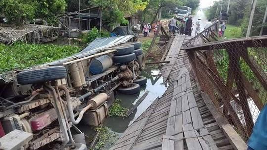 Cầu Tân Đức sập vì xe chở quá tải có... gần 10 tấn! - Ảnh 1.