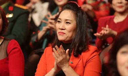 Nhà báo Tạ Bích Loan thay nhà báo Lại Văn Sâm làm Trưởng ban VTV3 - Ảnh 1.