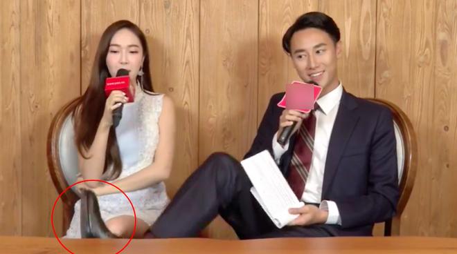 Trước làn sóng chỉ trích vì phỏng vấn vô duyên với Jessica, phía Rocker Nguyễn nói gì? - Ảnh 1.