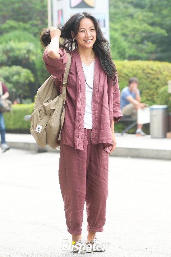 Đẳng cấp nhan sắc của Lee Hyori: Mặc đồ nhăn nhúm vẫn đẹp như nàng tiên - Ảnh 3.