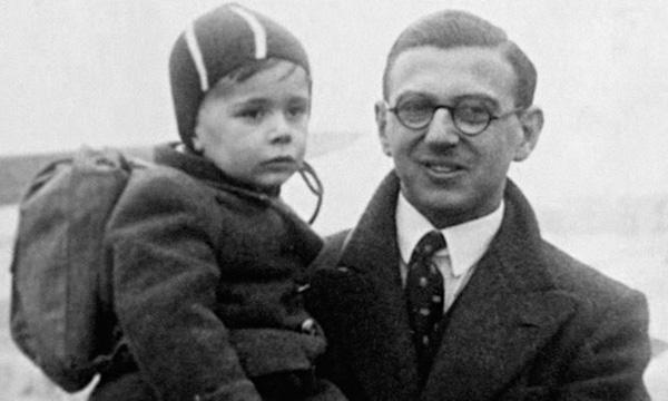 Giữa trường quay, người anh hùng của thế kỷ 20 nín lặng khi biết khán giả là 669 đứa trẻ ông từng cứu sống - Ảnh 2.