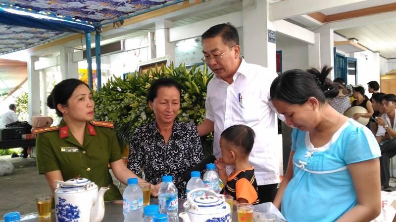 Đời sống: Chiến sĩ PCCC hy sinh khi làm nhiệm vụ ở Sài Gòn: Vợ mang bầu ôm con ...