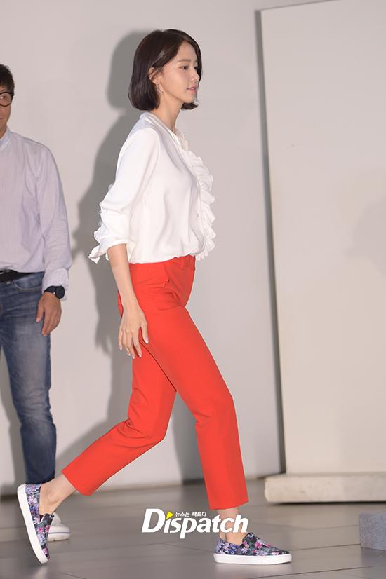 Lần đầu dự sự kiện sau khi xén mái tóc nữ thần, Yoona gây sốt vì vẫn quá đẹp với vẻ ngoài mới - Ảnh 2.