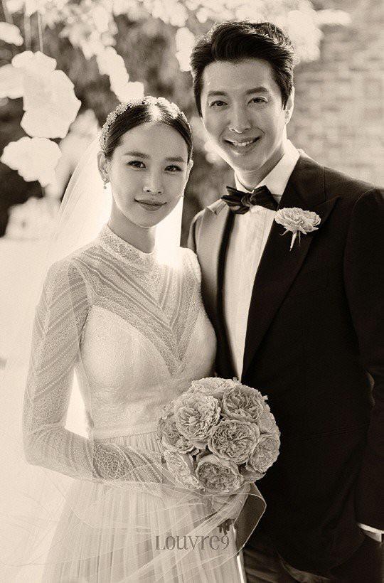 Jo Yoon Hee khoe ảnh bụng bầu bên chồng Lee Dong Gun: Thoát mác con ghẻ quốc dân vì quá hạnh phúc! - Ảnh 3.