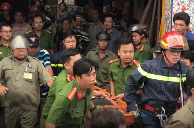 Khống chế nam thanh niên ngáo đá cố thủ trên nóc chùa, 10 cán bộ chiến sĩ có nguy cơ phơi nhiễm HIV - ảnh 2