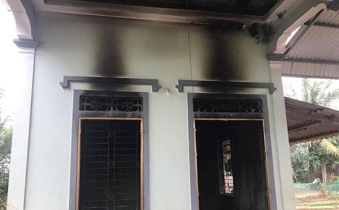 Sạc điện thoại chập cháy thiêu rụi cả căn nhà cấp 4 - ảnh 1